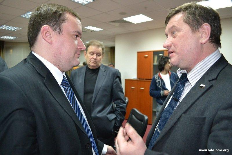Министр иностранных дел ПМР В.В. Ястребчак встретился с сопредседателем «Народного Собора» В.Е. Хомяковым (Видео)