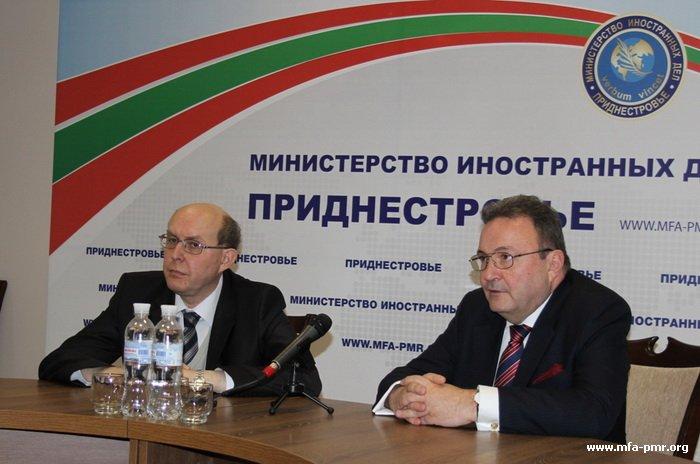 Российские дипломаты: «10 лет переговоров лучше, чем один день войны»