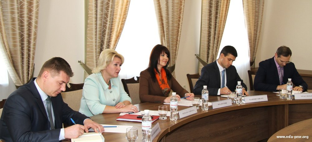Nina Shtanski Met with the OSCE High Commissioner on National Minorities Astrid Thors