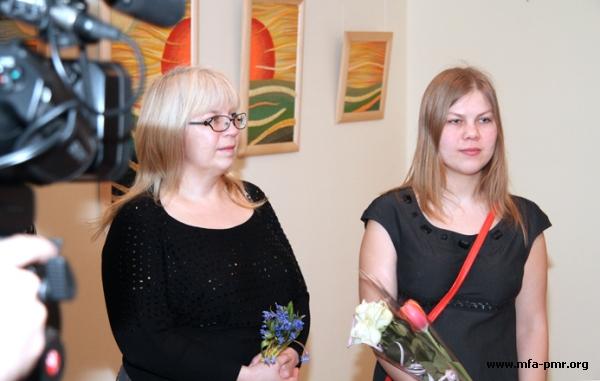 Exhibition of Diana Doroshenko's Works in the Technique of Gobelin Tapestry Opened in the PMR's MFA