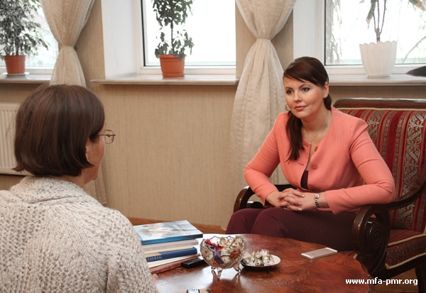 """Nina Shtanski answered questions from the """"Russian Reporter"""""""